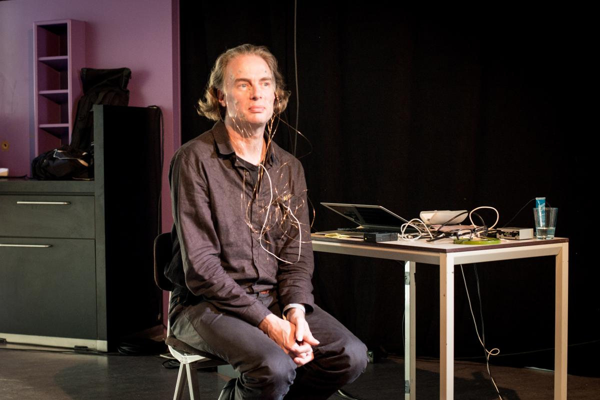 Arthur Elsenaar at the Modern Body Festival in The Hague